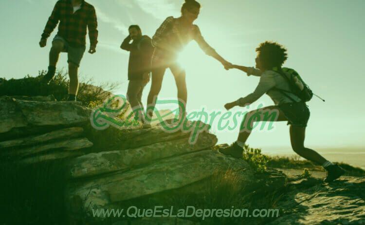 Ayudar a otros para sentirte alegre