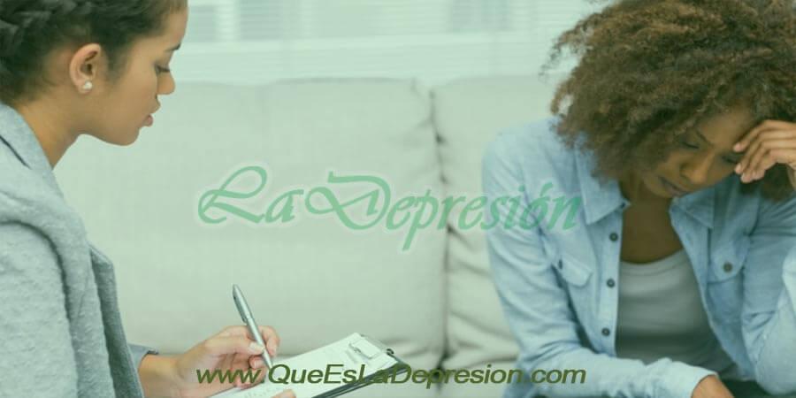 Mujer en tratamiento de psicoterapia para la ansiedad